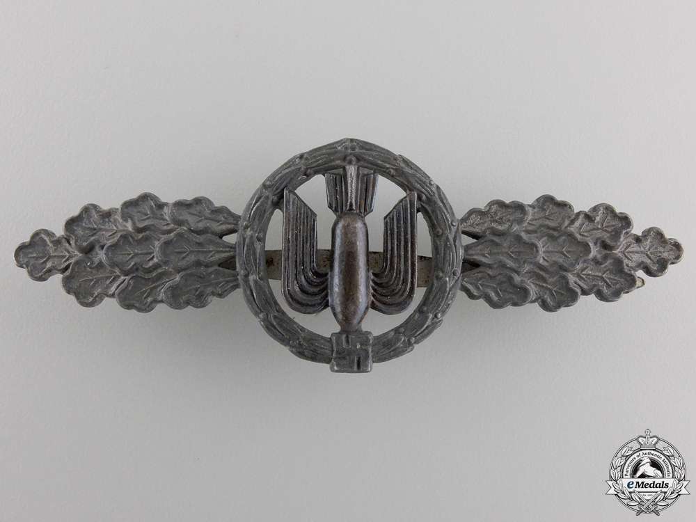 A Luftwaffe Bomber Squadron Clasp; Silver Grade by Funcke & Brüninghaus