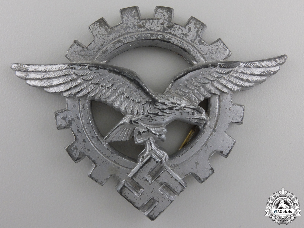 A Luftwaffe Technical Services Badge