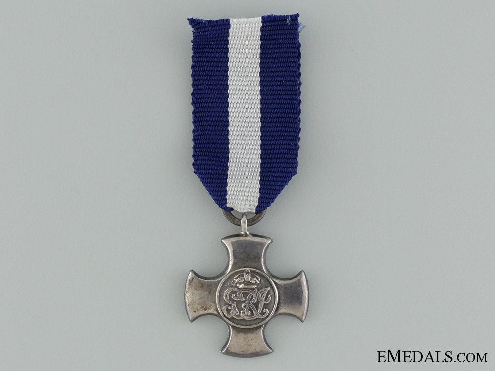 A Miniature WWII Distinguished Service Cross