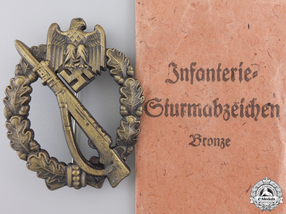 A Mint Bronze Grade Infantry Badge with Packet of Issue by JFS