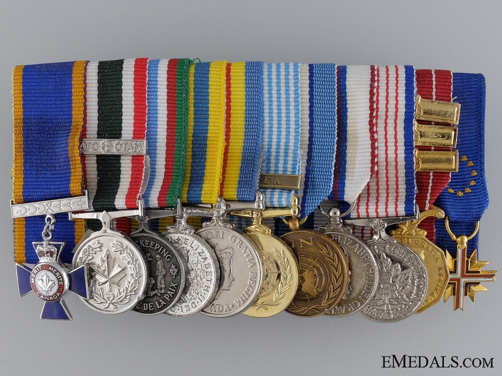 A Modern Canadian Valour Miniature Group