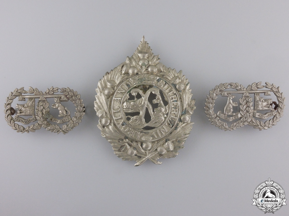 A Princess Louise's Argyll and Sutherland Highlanders Insignia Set