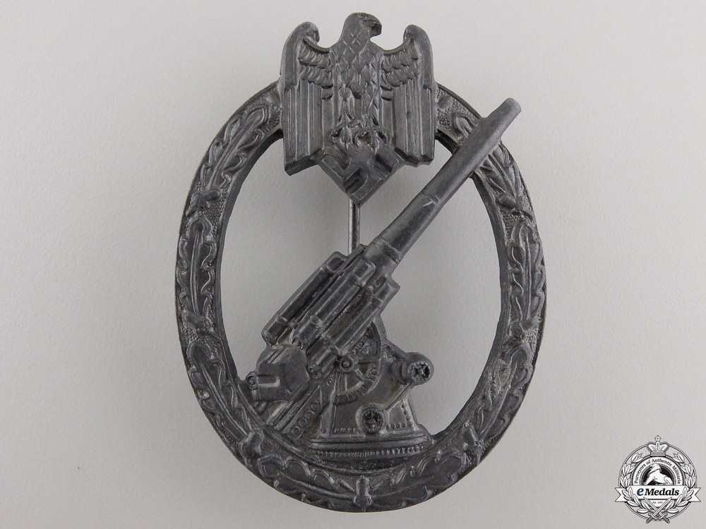 A Second War German Army Flak Badge