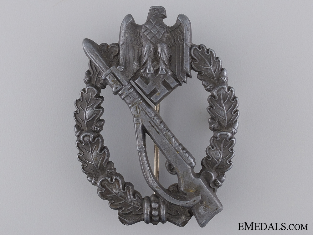 A Second War Infantry Badge; Silver Grade