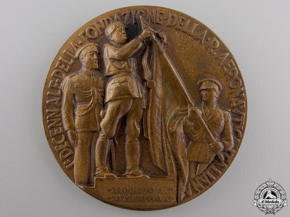 A Second War Italian Aeronautical Table Medal