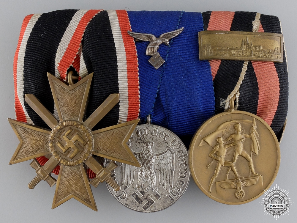 A Second War Luftwaffe Veteran's Medal Bar
