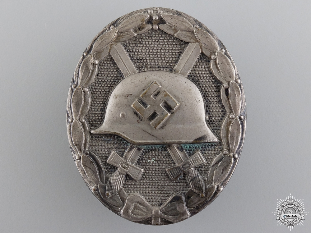 A Silver Grade Second War Wound Badge