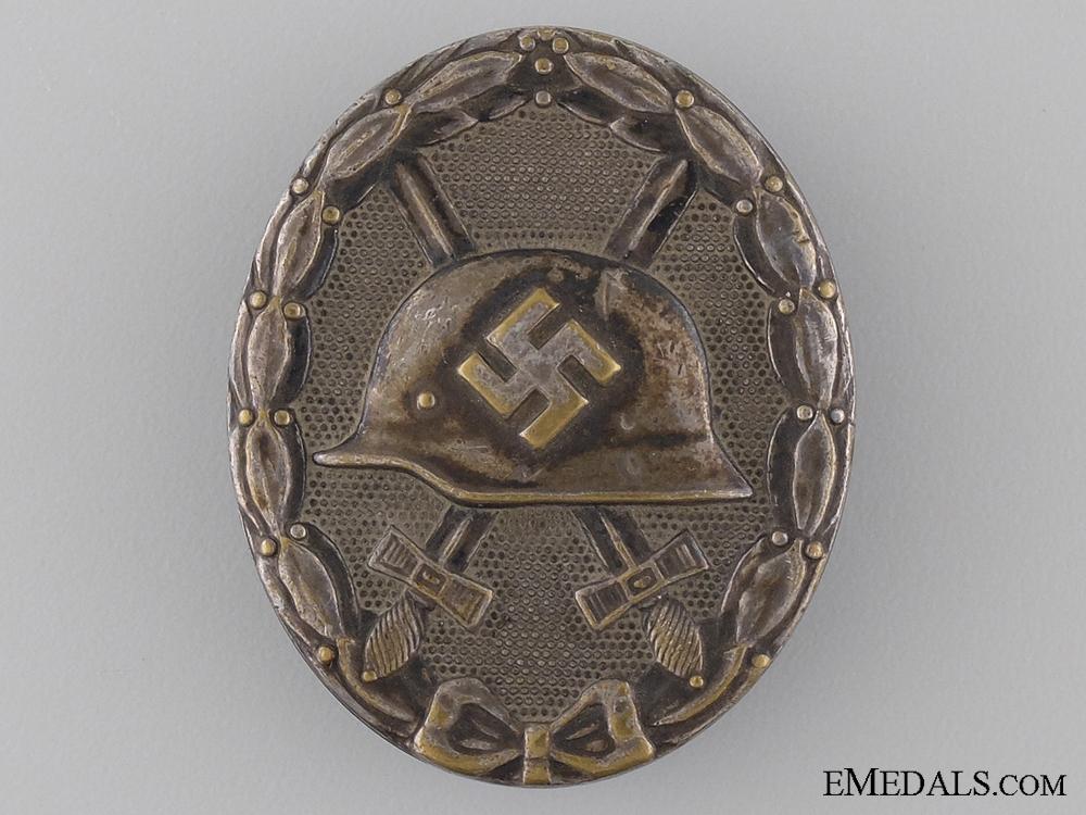 A Silver Grade Wound Badge by Hauptmünzamt Wien
