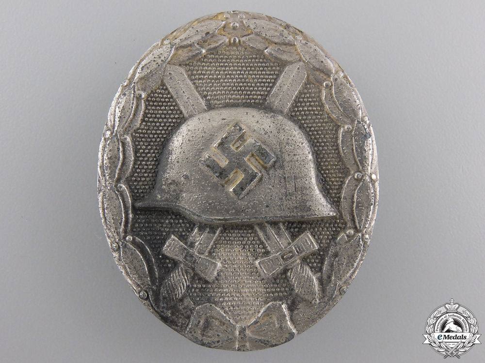 A Silver Grade Wound Badge