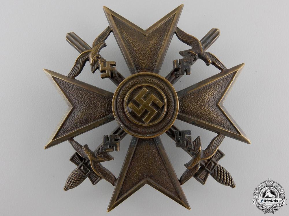 A Spanish Cross with Swords; Bronze Grade