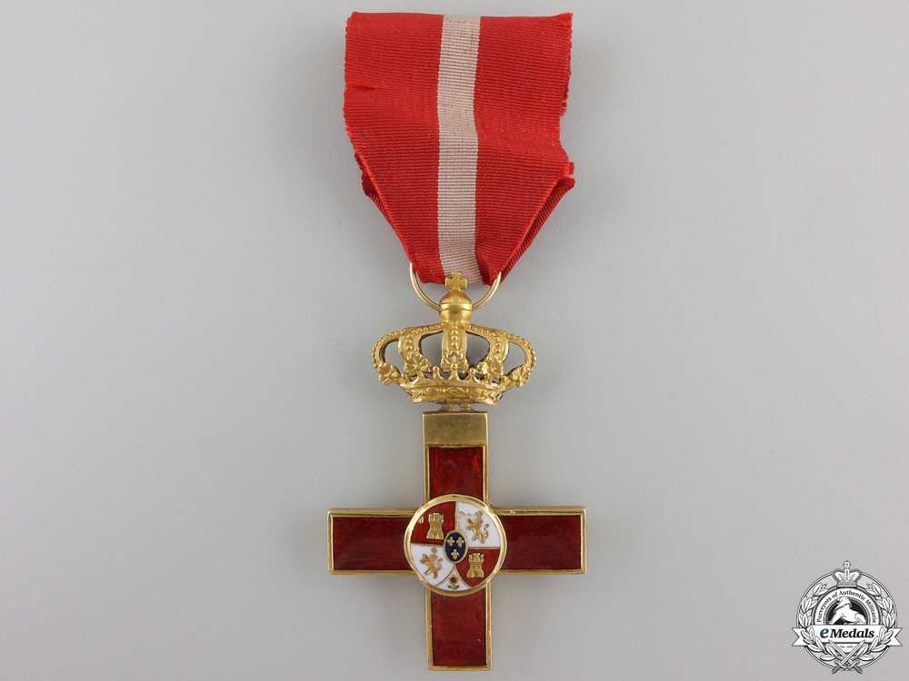 A Spanish Cross of Military Merit with Red Distinction in Gold
