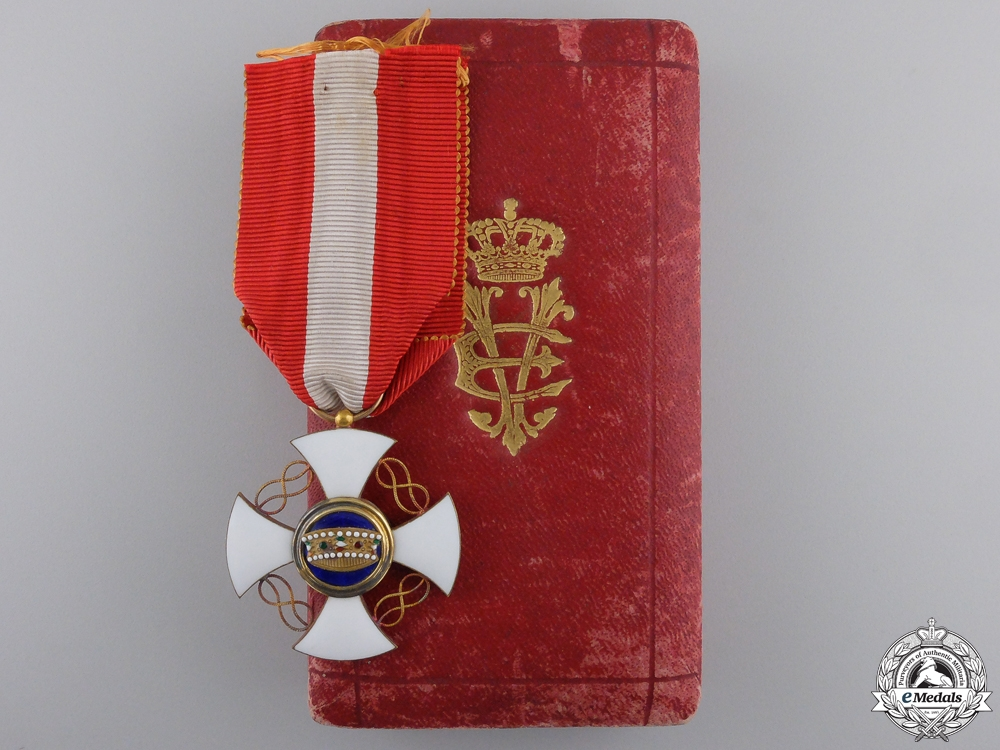 A Victor Emanuel III Italian Order of the Crown in Gold