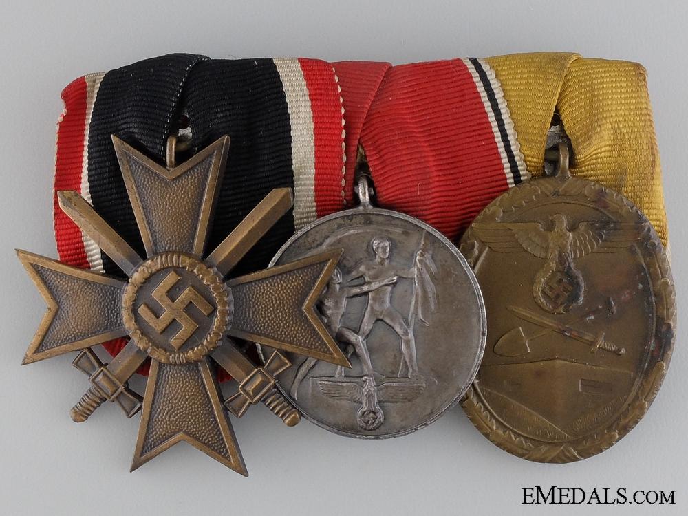 A War Merit & Campaign Medal Bar