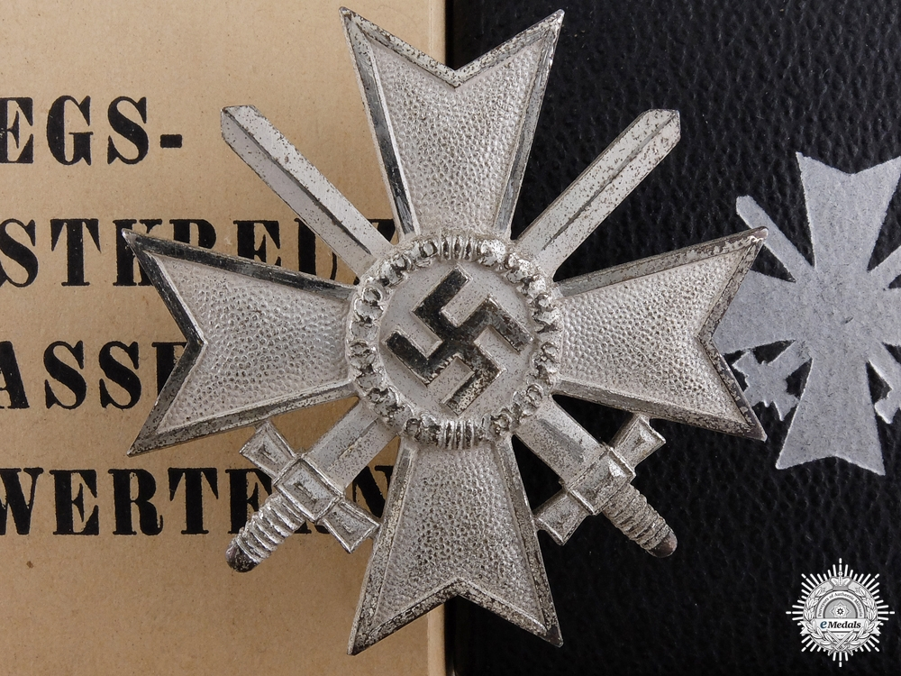 A War Merit Cross 1st Class with Swords by Deschler with Case & Cartonage