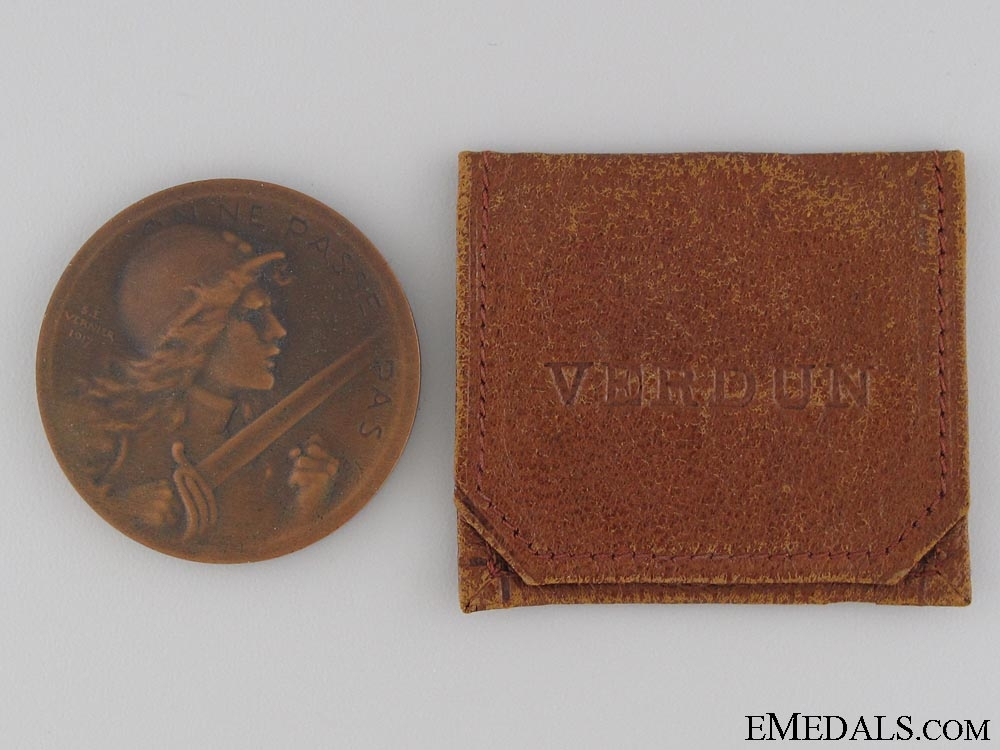 A WWI 1916 French Verdun Medal