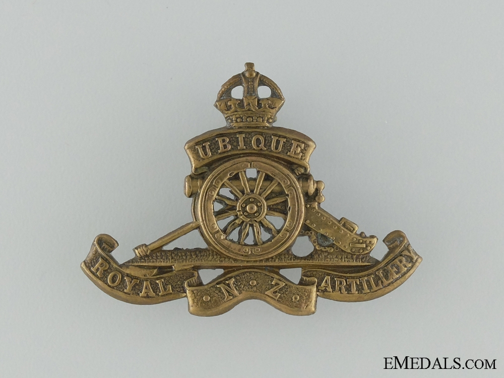 A WWI Royal New Zealand Artillery Cap Badge