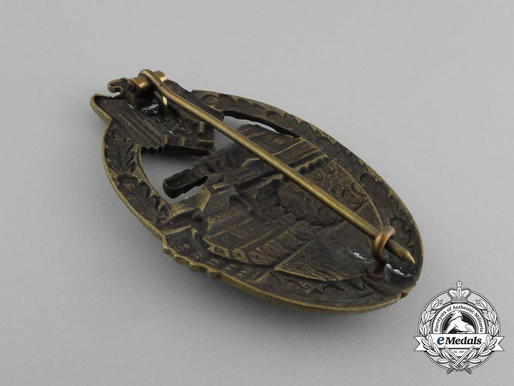Germany, Heer. An Early Bronze Grade Tank Badge in Tombac; Hollow Version