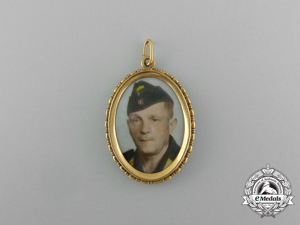 A Second War Luftwaffe Sweetheart Pennant
