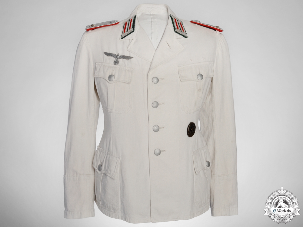 An Army Artillery Officer's New Style White Service Uniform