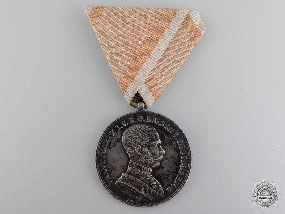 An Austrian First War Bravery Medal; First Class
