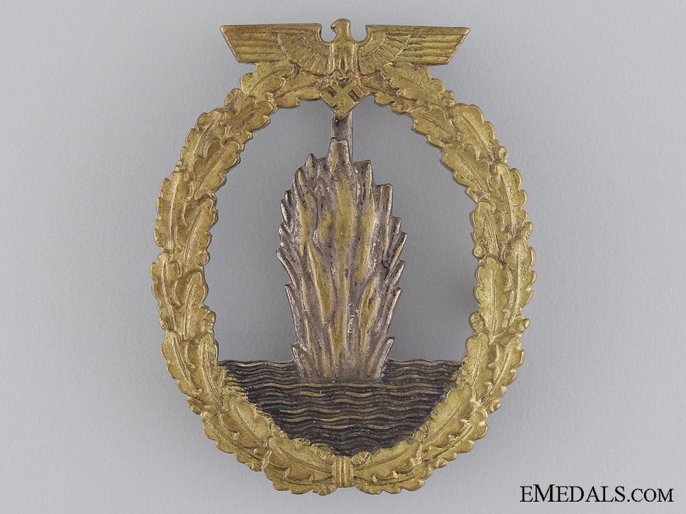 An Early War Kriegsmarine Mine Sweeper Badge