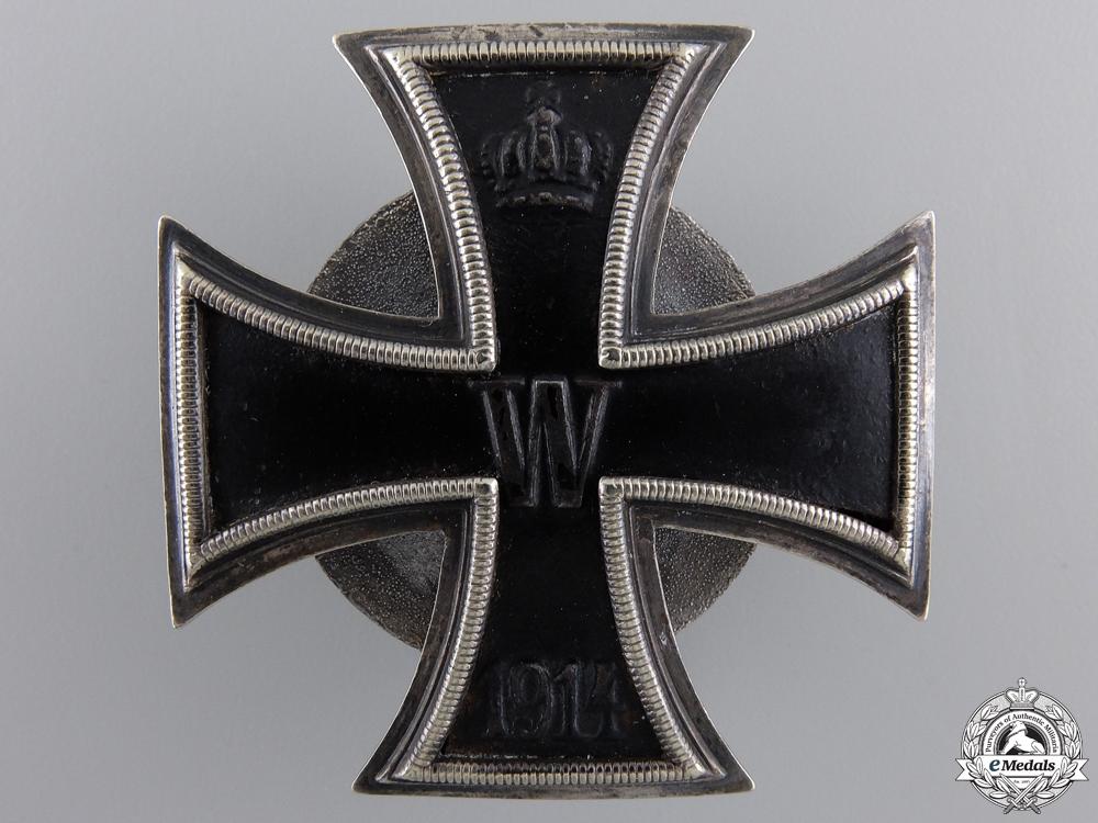 An Iron Cross First Class 1914; Screwback by Carl Dilenius