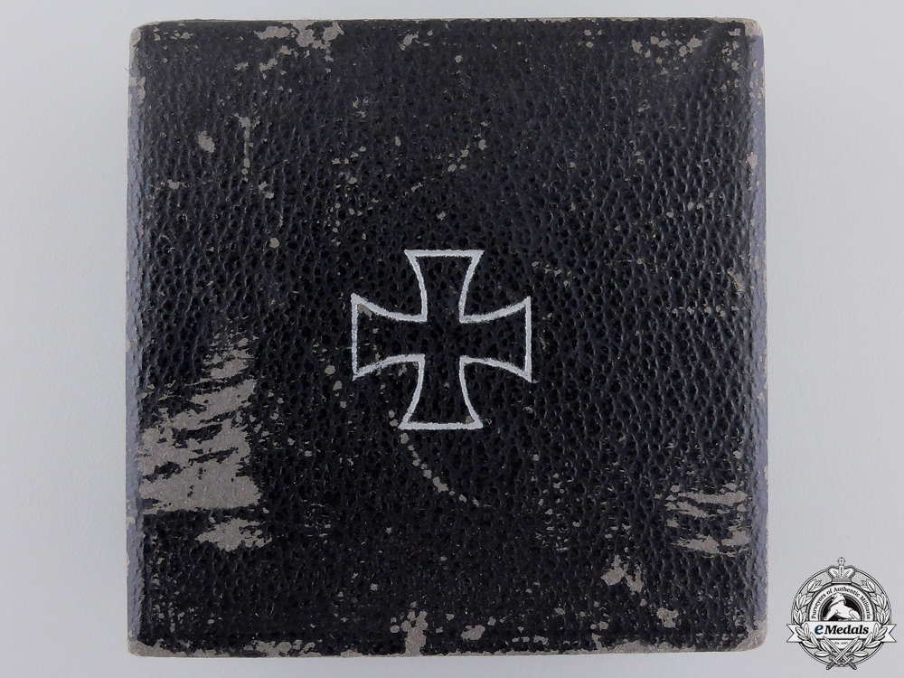 An Iron Cross First Class 1939 Case by Wilhelm Deumer