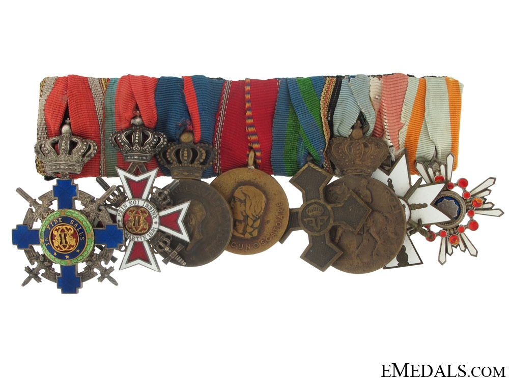 An Officiers Groups of Eight Awards