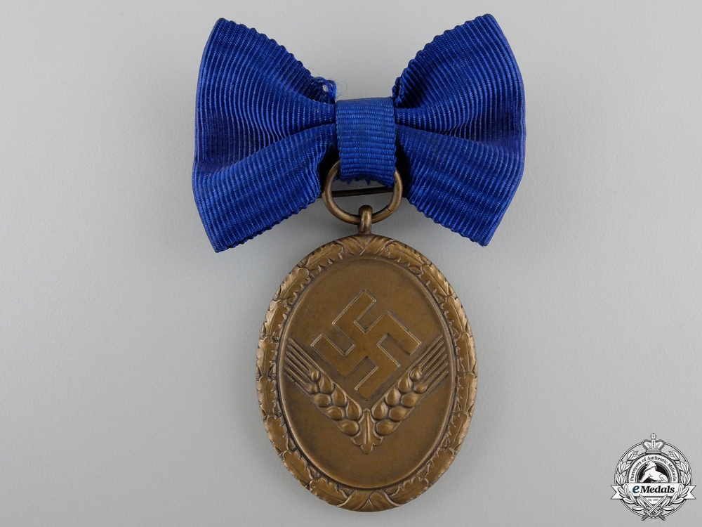 An RAD Long Service Award for Women; 4th Class