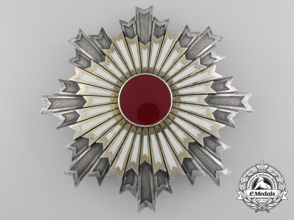 A Japanese Order of the Rising Sun; Grand Cross Breast Star
