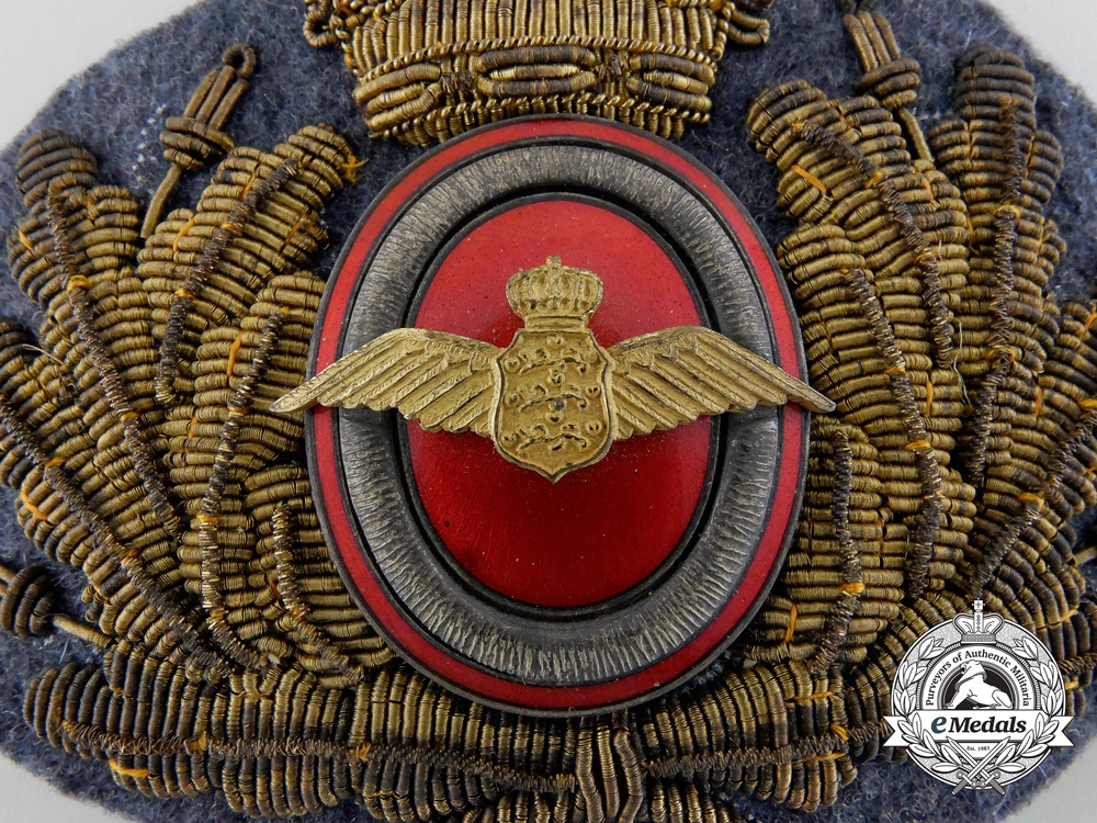 A Second War Danish Air Force Cap Badge c.1939
