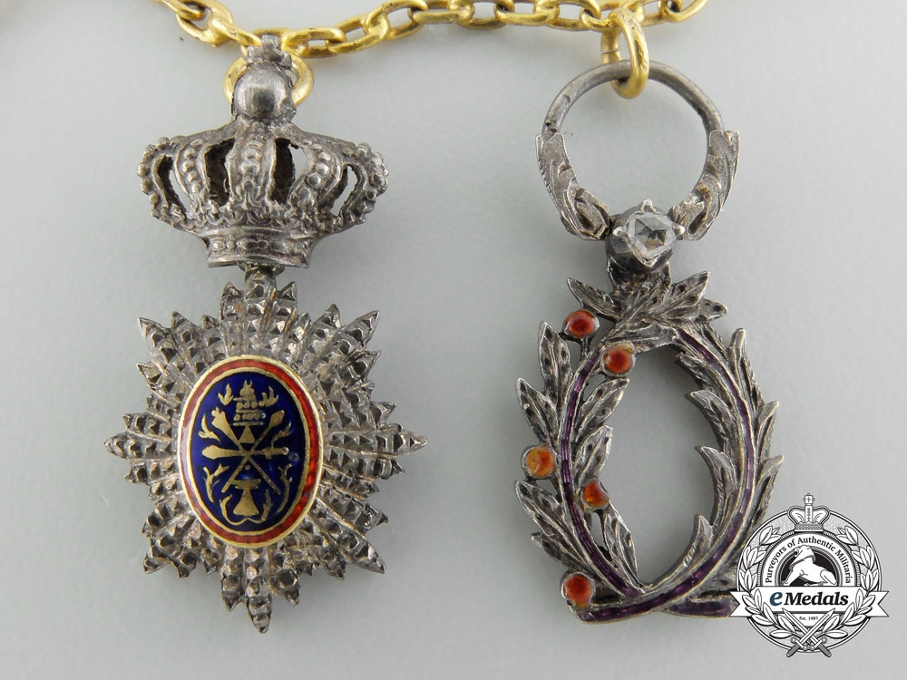 Denmark, Kingdom. A Diplomatic Miniature Chain with Gold and Diamonds