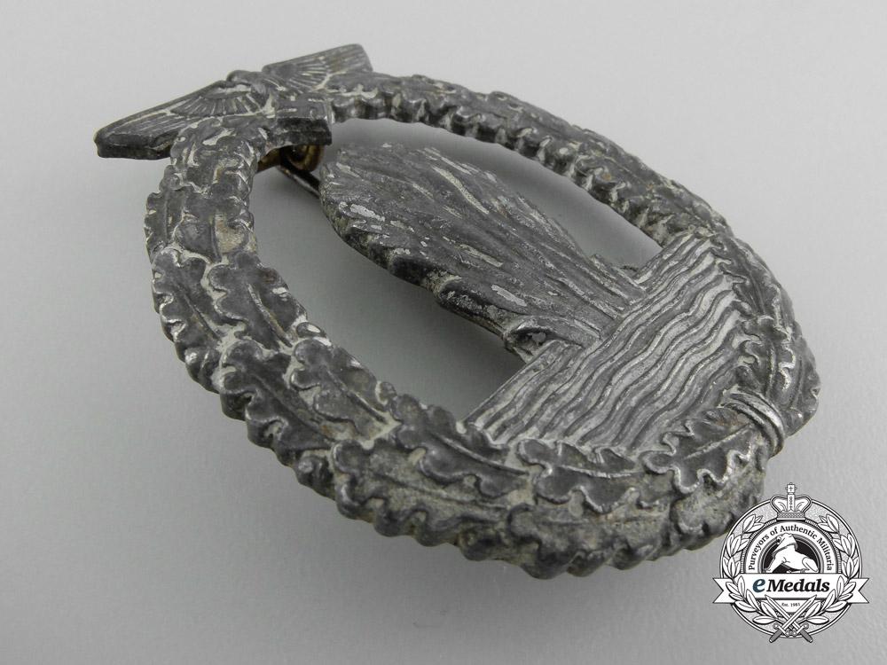A Kriegsmarine Minesweeper War Badge by Lind & Meyer, Idar-Oberstein