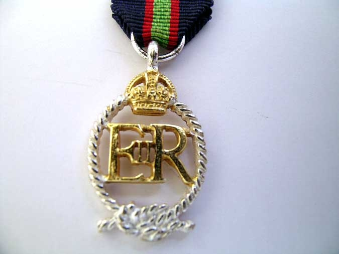 MINIATURE  ROYAL NAVAL RESERVE DECORATION
