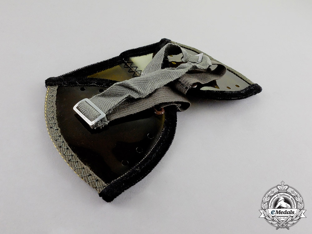 Germany. A Mint Cased Pair of Flak Crew Member's Dust Goggles