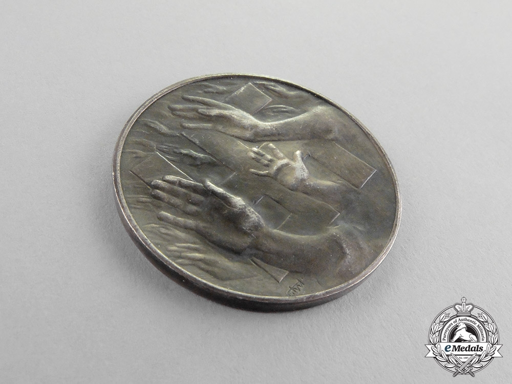 """Germany. A 1932 NSDAP Parliametry Elections """"Capitulation - Never!"""" Donation Medal"""