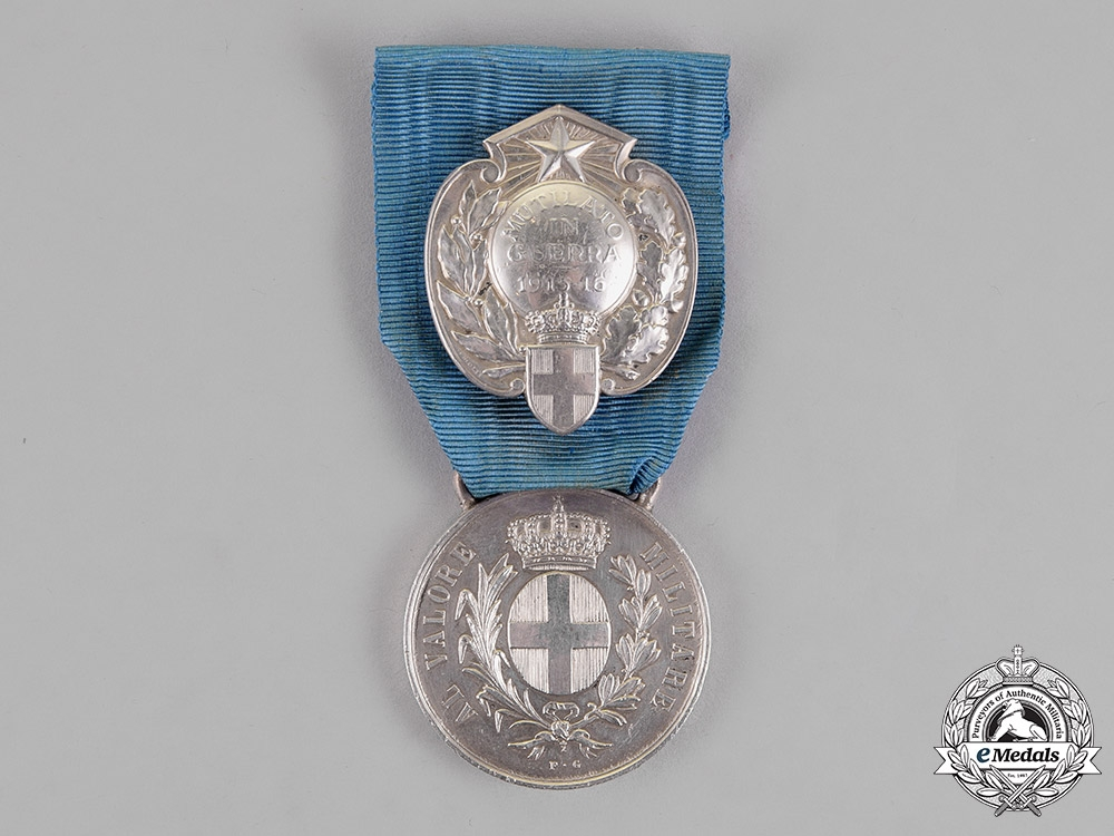Italy, Kingdom. An Al Valore Militare with Honour Wound Badge, c.1915
