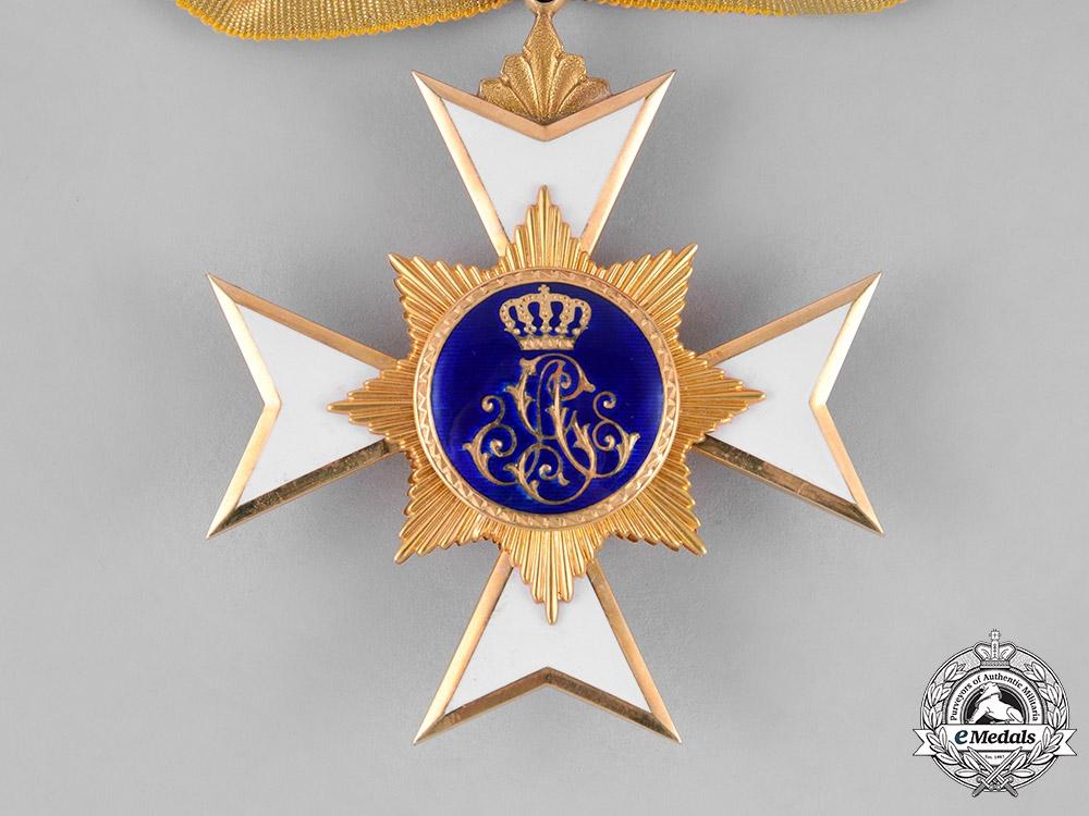 Schaumburg-Lippe. A Princley Schaumburg-Lippe Houseorder, II Class in Gold, c.1900
