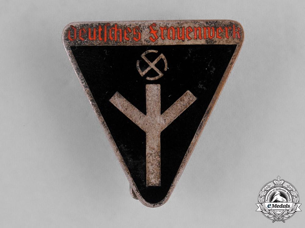 Germany, DF. A Deutsches Frauenwerk (German Women's Welfare) Membership Badge by Karl Wurster