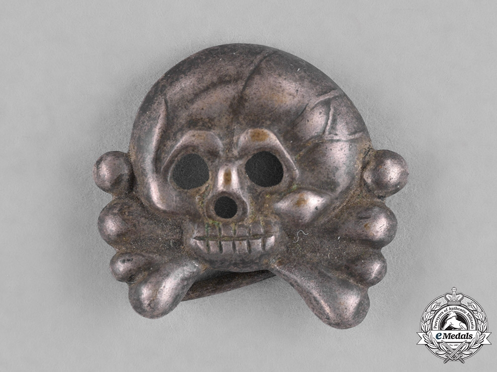 Germany, Heer. A Heer (Army) Panzer Collar Tab Skull