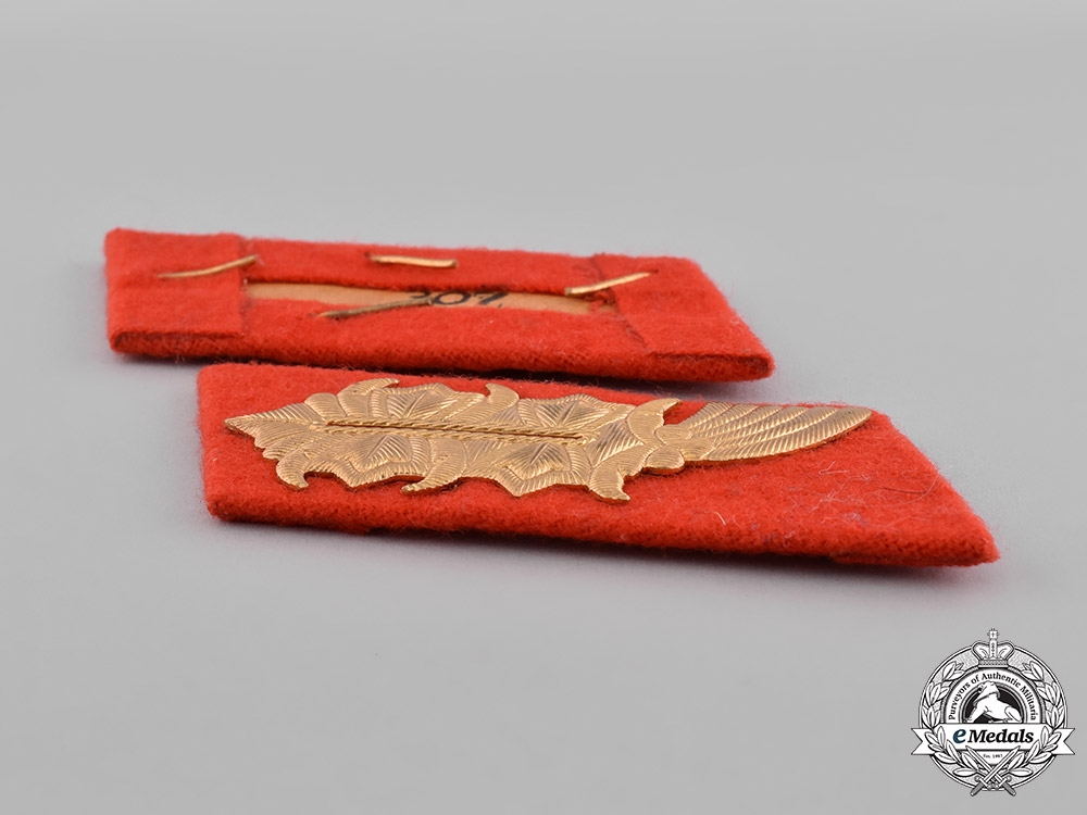Germany, DDR. A Set of East German General Collar Tabs