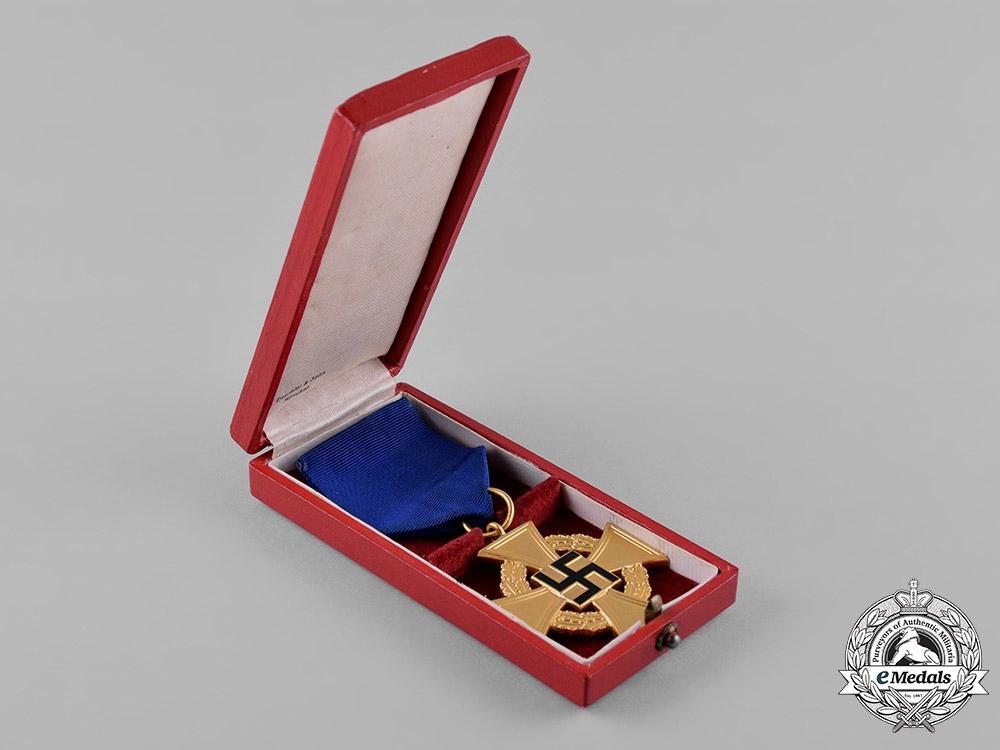 Germany, NSDAP. A Cased 40-Year Faithful Service Cross, by Deschler & Sohn