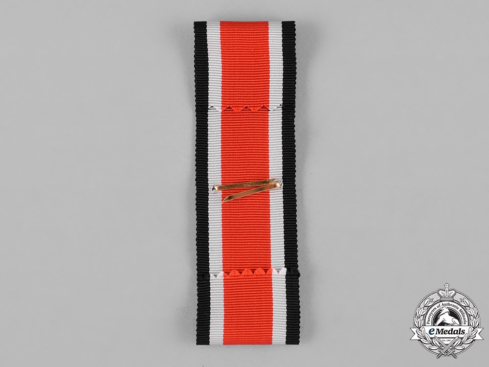 Germany, Federal Republic. A 1957 Heer Honour Roll Clasp with Ribbon and Case