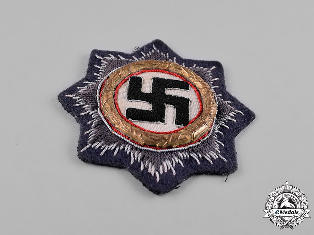 Germany, Wehrmacht. A Luftwaffe German Cross in Gold, Cloth Version