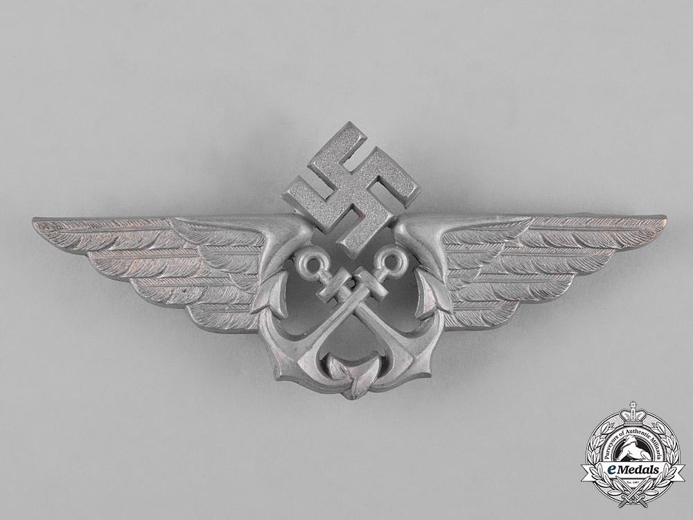 Germany, Kriegsmarine. A Kriegsmarine Naval Flight Cap Badge