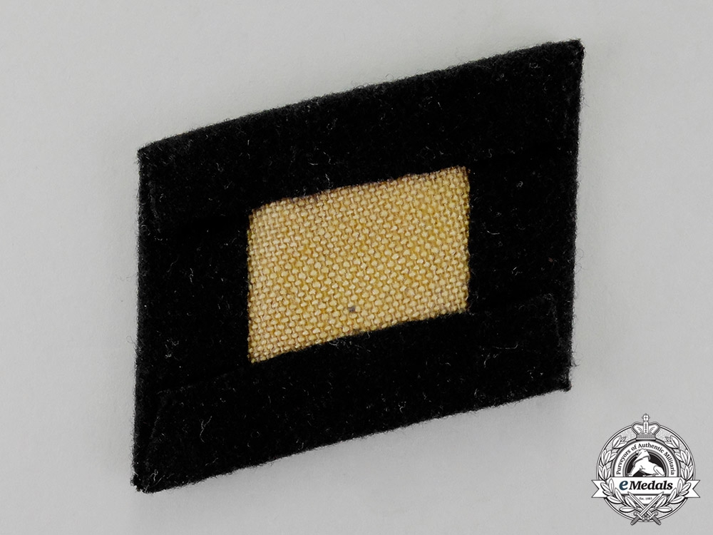 Germany. A Single Absolutely Mint SS-Totenkopfverband Collar Tab, Officer's Quality; First Pattern