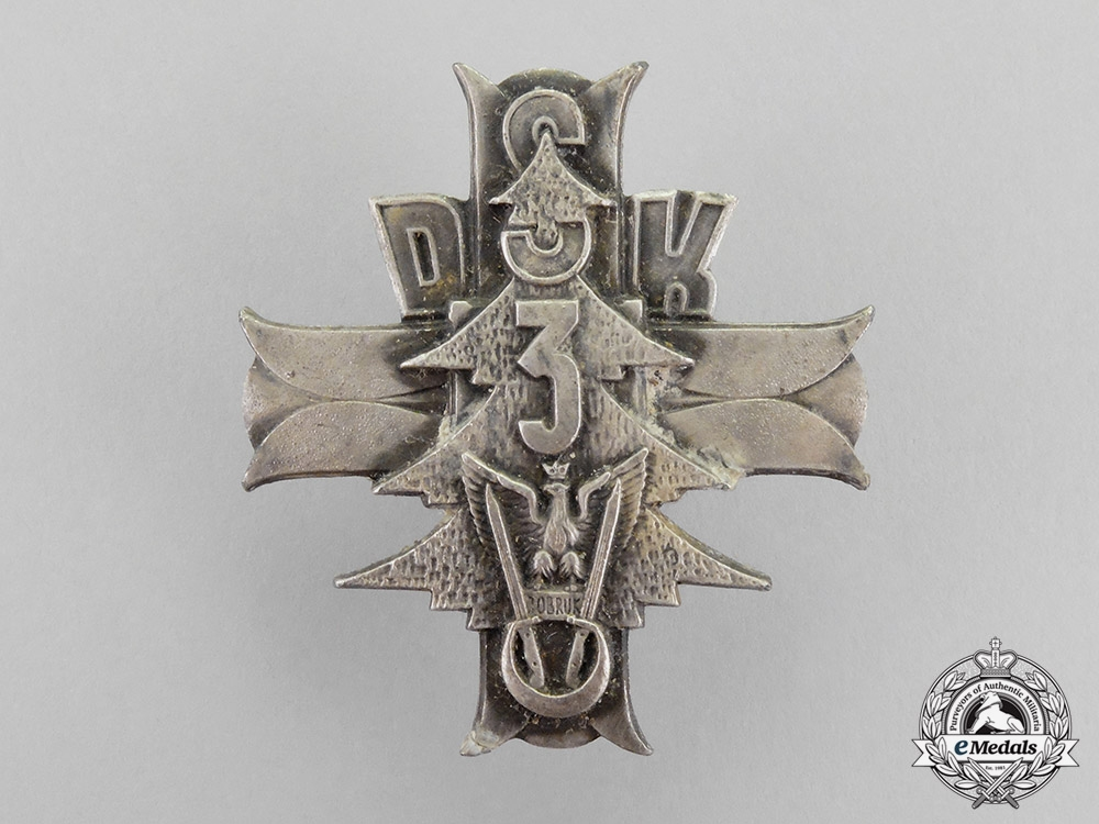 Poland. A 3rd Carpathian Rifle Division Badge with Packet