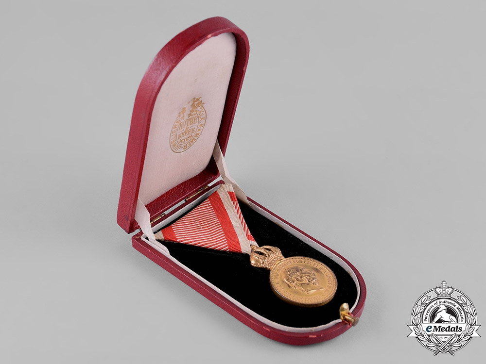 Austria, Imperial. A Military Merit Medal in Bronze, with Case, by C.F. Rothe & Neffe