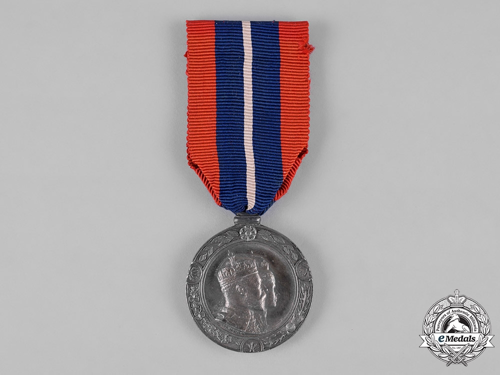 United Kingdom. A King Edward VII and Queen Alexandra Coronation Medal for Mayors and Provosts 1902