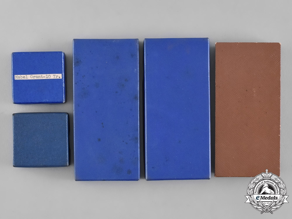 France, Republic. A Lot of Assorted Presentation Cases & Cartons